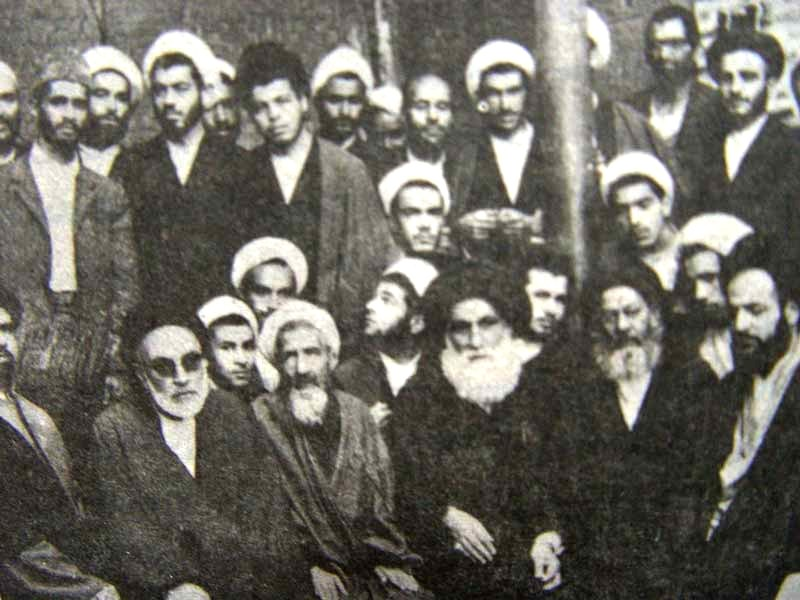 Image result for وقتی بهلول جلوی رضا خان ایستاد